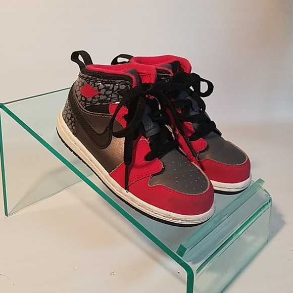 Air Jordan youth shoes